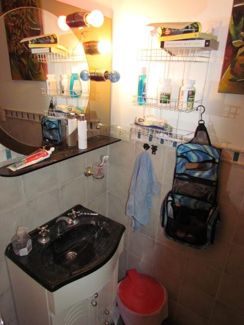 Counter-less bathroom