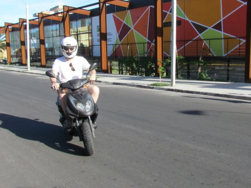 I had been wanting to ride a scooter in Colonia since 2006 when I first visited. I didn't have my driver's license with me then so I couldn't. But now I can check this one off the to-do list!